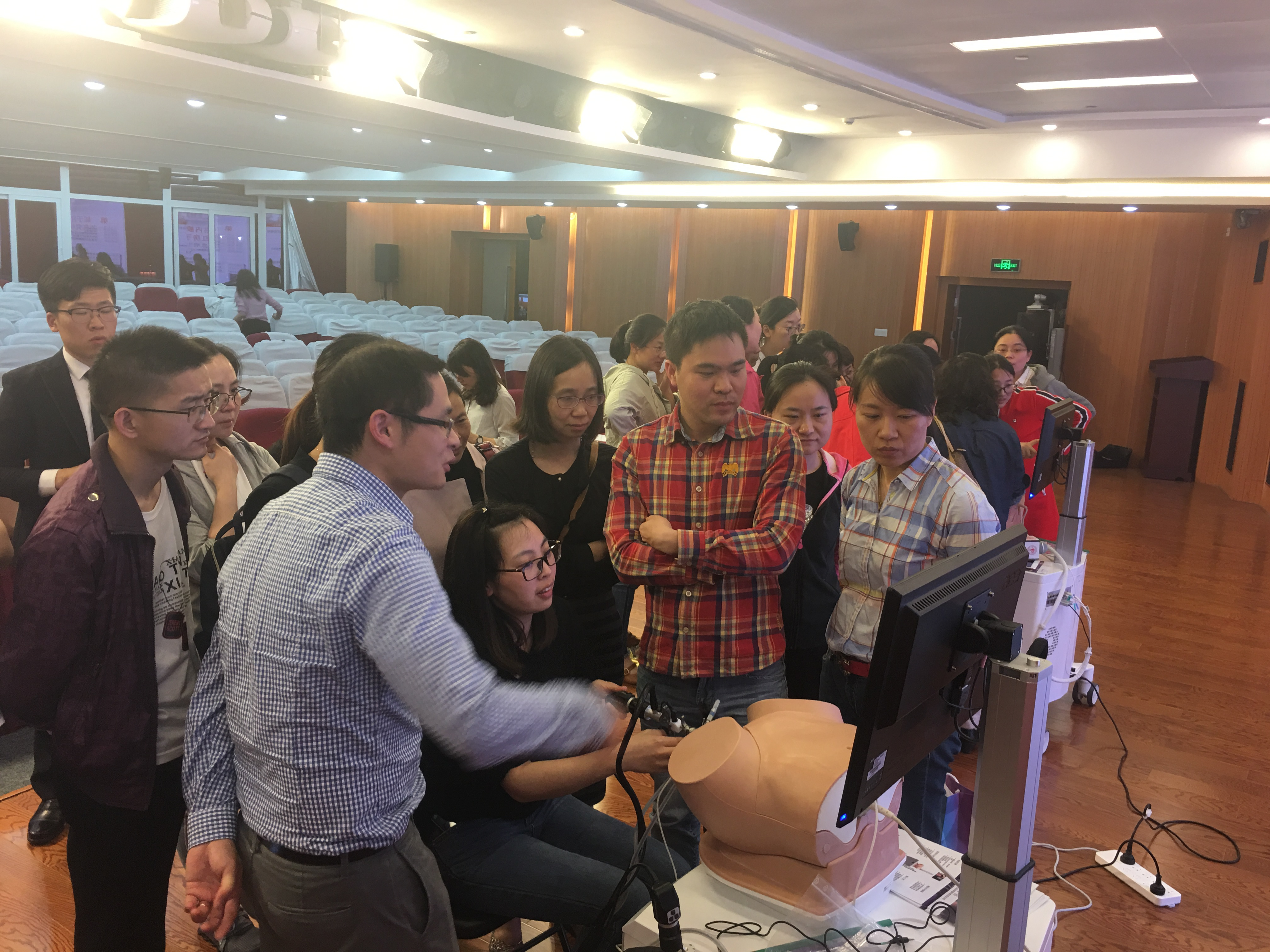 T&E team member Jimmy supporting a training course in hysteroscopy organzied by Fudan University in Shanghai, China