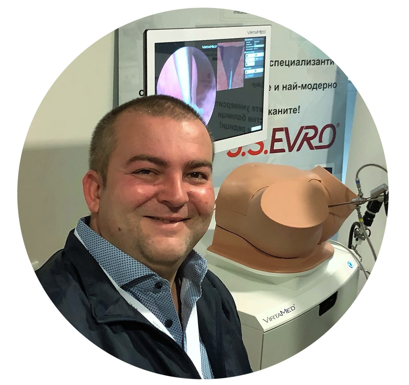Image of Stefan Strnad with VirtaMed GynoS™